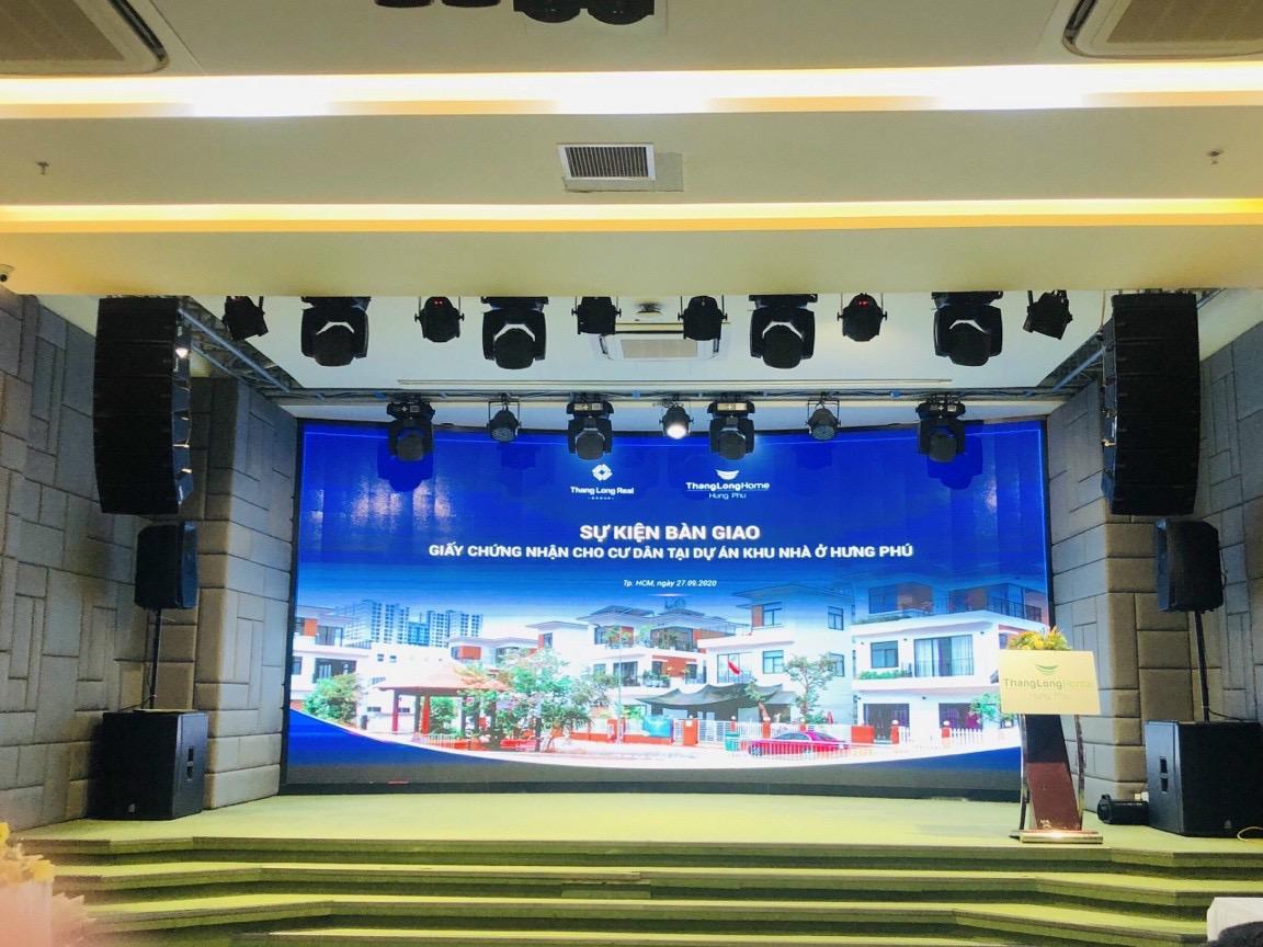 Lễ bàn giao sổ hồng cho khách hàng Thăng Long Home Hưng Phú